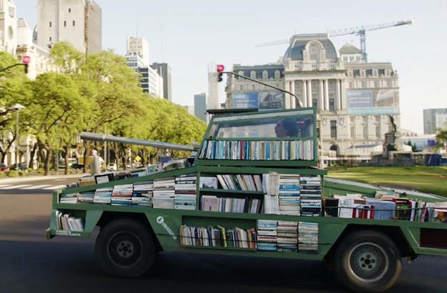 Tankkal népszerűsíti az olvasást