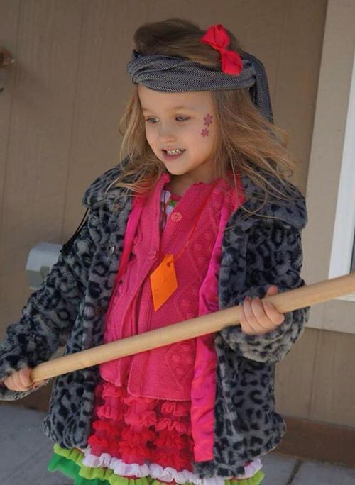 Bűbájos fotók: gyerekek, akik önállóan öltöztek fel