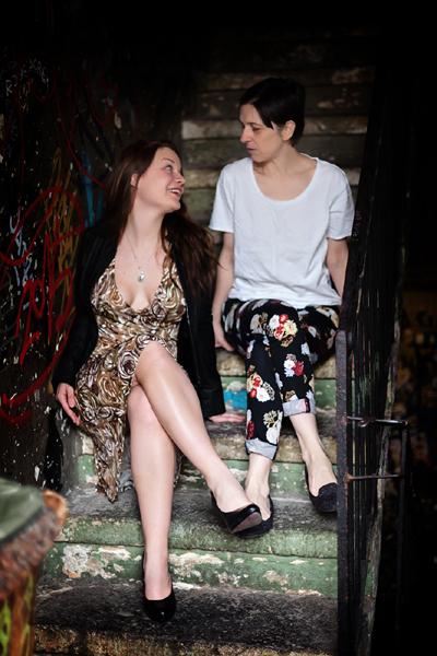 Max Mara virágos ruha, New Look bőrdzseki, H&M virágos nadrág, Zara póló - Háda