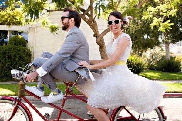 Laza és sportos: bringás esküvő