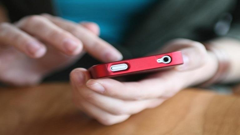 Az okostelefon menthet meg az öngyilkosságtól