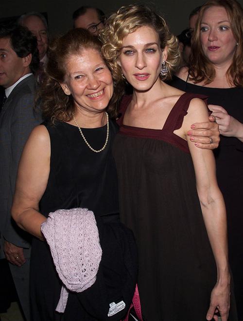Sarah édesanyjával Barbarával