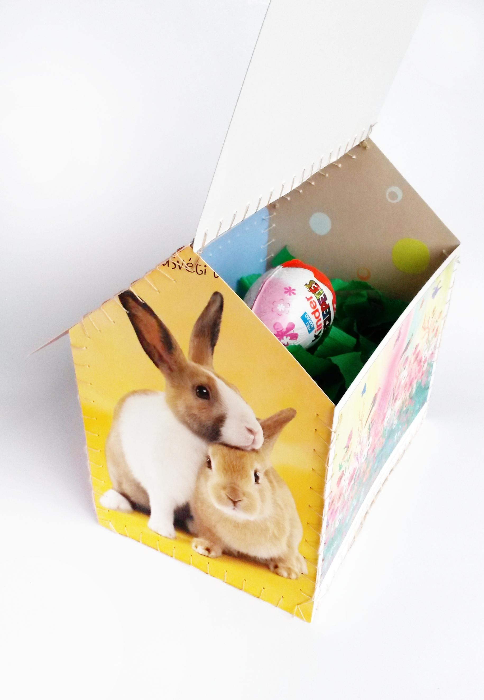 Ötletes ajándék húsvétra: házikó képeslapokból