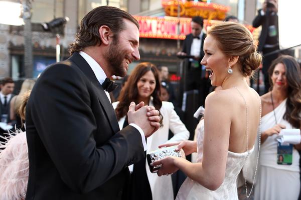 14 pillanat, ami bizonyítja, hogy Bradley Coopernek és Jennifer Lawrence-nek már rég össze kellett volna jönnie