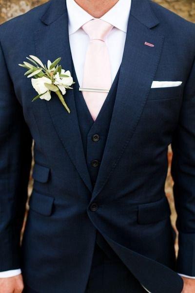 Tengerészkék és fehér az esküvőn
