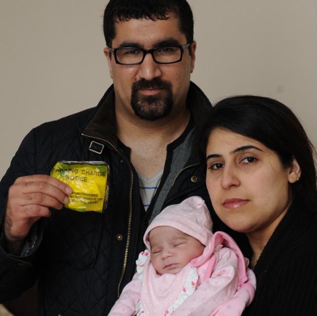 Megbüntették a terhes nőt, mert az anyáknak fenntartott helyre parkolt