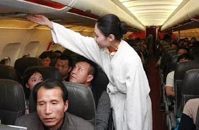Ezeknek a stewardesseknek van a legkényelmesebb egyenruhájuk