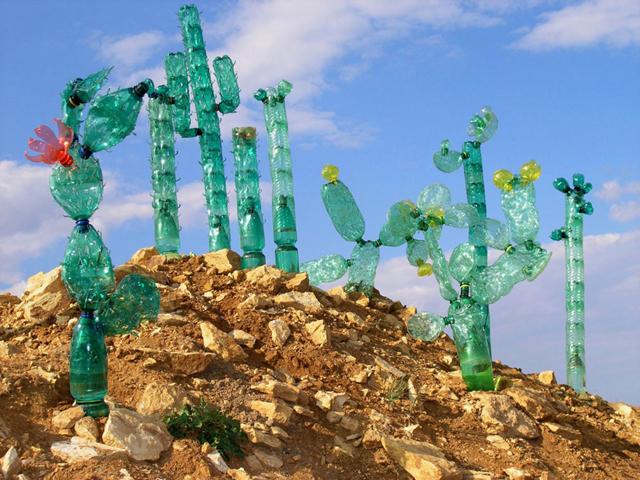 Erre is jók az üres műanyag flakonok - fotók