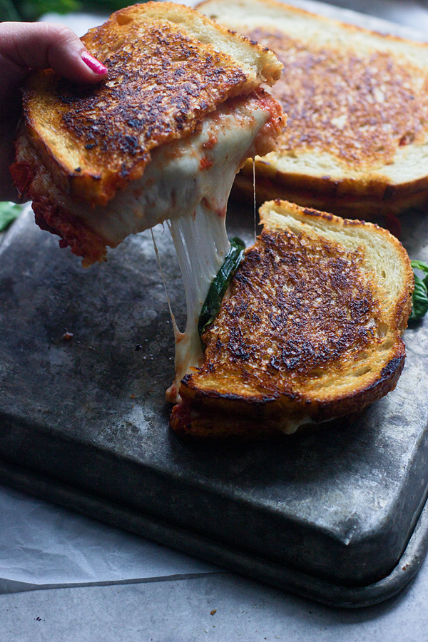Így készíts különleges pizzás szendvicst 30 perc alatt!