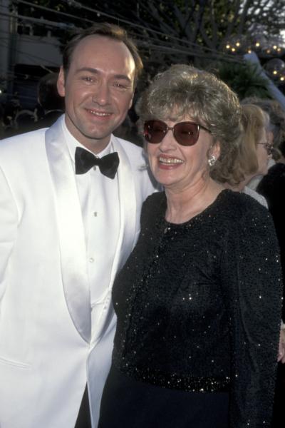 Kevin Spacey és anyja az 1996-os Oscar-díjátadón
