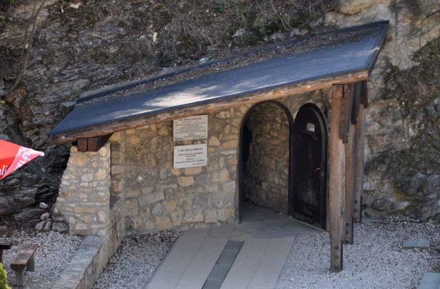 Fotó: Wikipedia - Pál-völgyi barlang bejárata