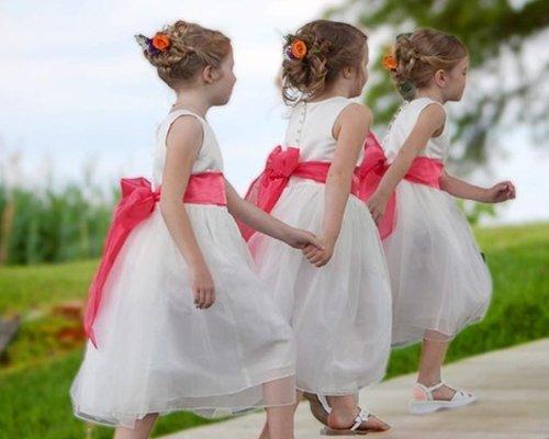 Esküvői gyerekfrizura divat 2015