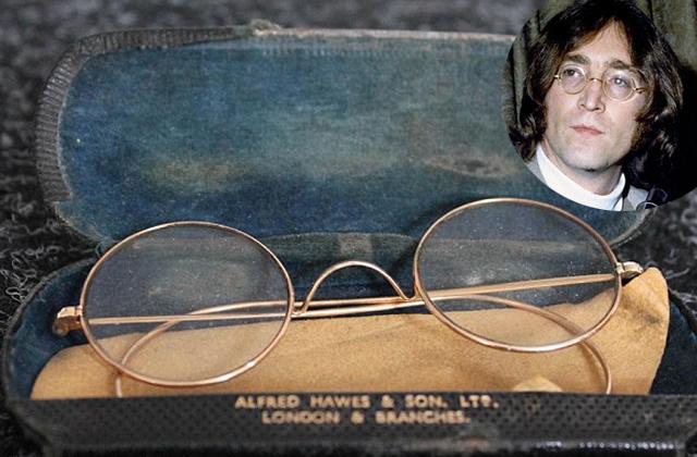 Elárverezik John Lennon szemüvegét