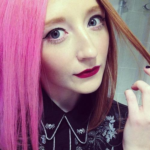 Szörnyella beájulna: 15 nő, akinek tényleg jól áll a felemás hajfestés