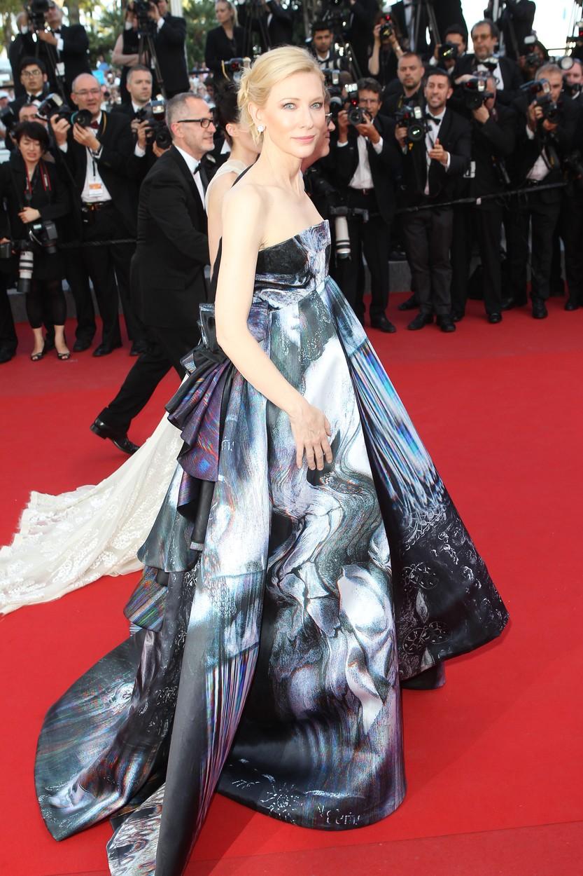 Ezt a ruhát csak Cate Blanchette engedheti meg magának