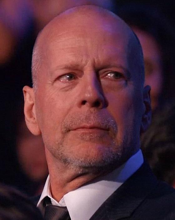 Ilyennek még a filmekben sem láttad Bruce Willist