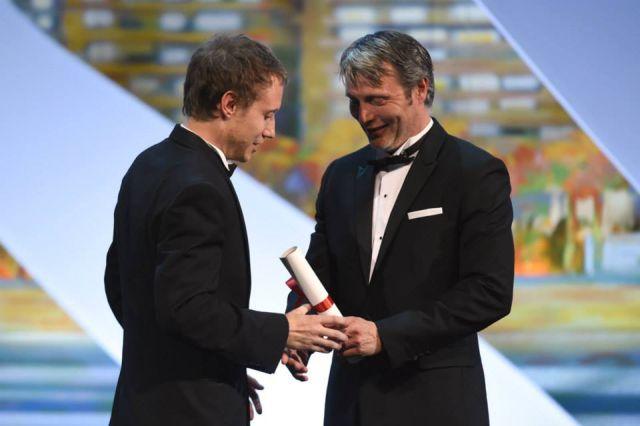 Nemes Jeles László átveszi a díjat - Fotó: Festival de Cannes - Page Officielle