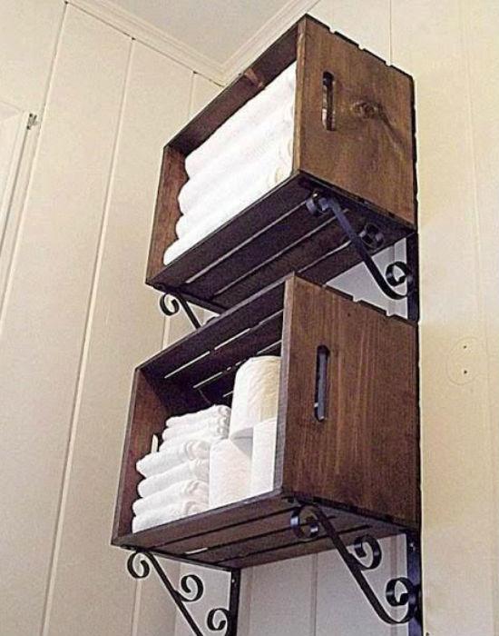 Minek fürdőszoba szekrényt venni, ha egy ládába is elférnek a törölközők? Nem igaz? Fotó: pinterest.com