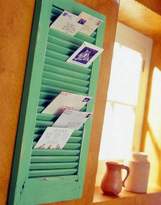 Félretett, kidobásra szánt zsalugáteredet levéltartóként újrahasznosíthatod. Fotó: buzzfeed.com