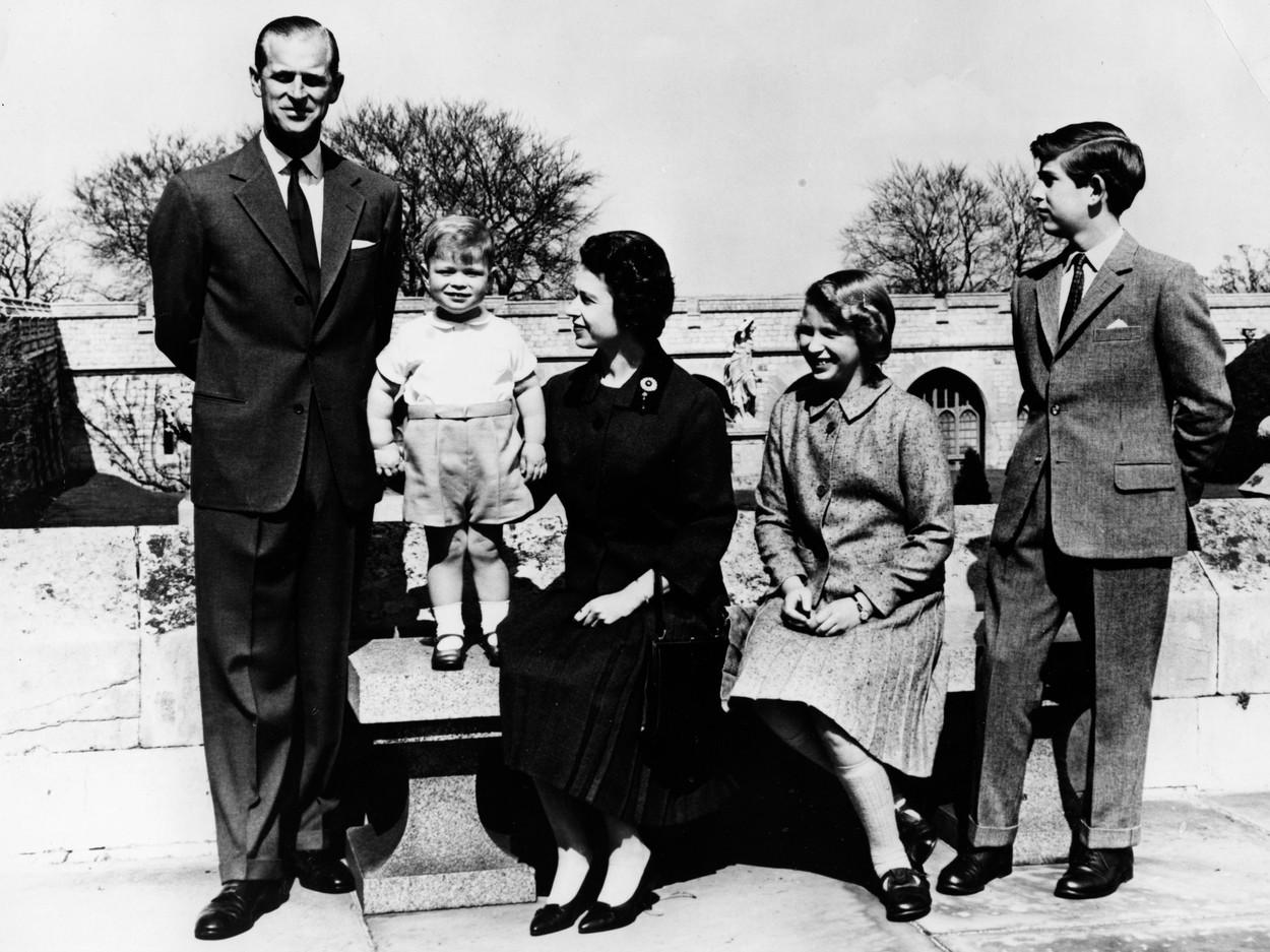 Ma 94 éves Fülöp herceg, aki 68 éve II. Erzsébet férje