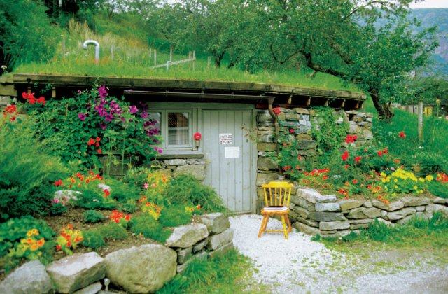 Alkossunk nagyot kis helyen: a szép előkert titka