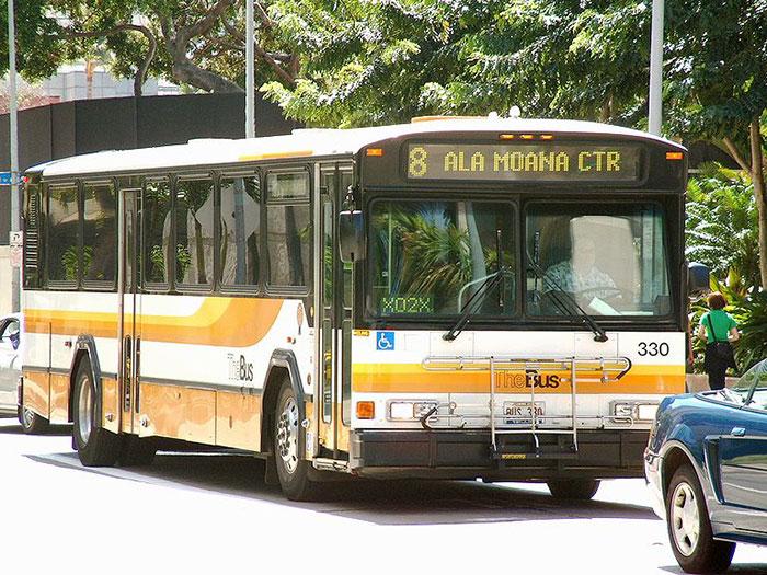 Régi buszokból hajléktalanszálló