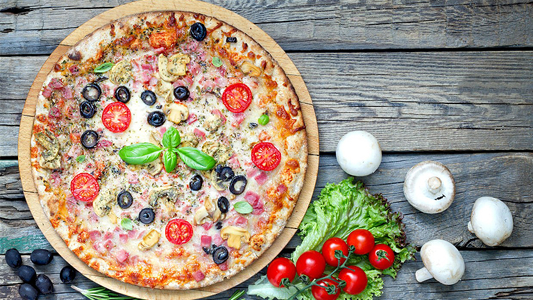 Hogyan kell igazi olasz pizzatésztát gyúrni?
