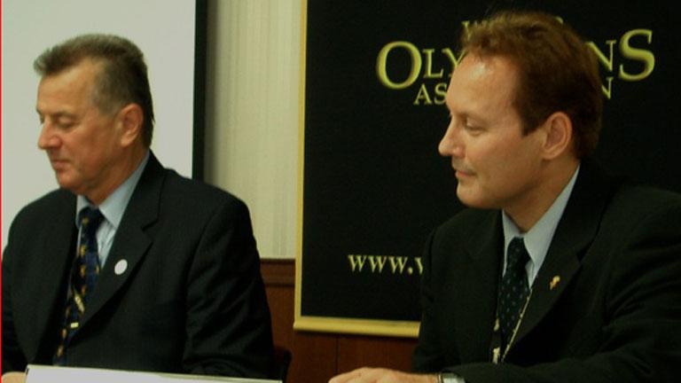 Schmitt Pál mellett az Olimpikonok Világszövetsége egyik konferenciáján