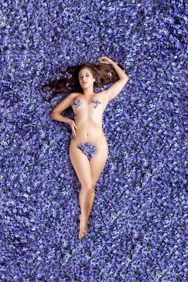 Testkép: meztelenül pózolnak a filmplakátokon plus size és vékony nők