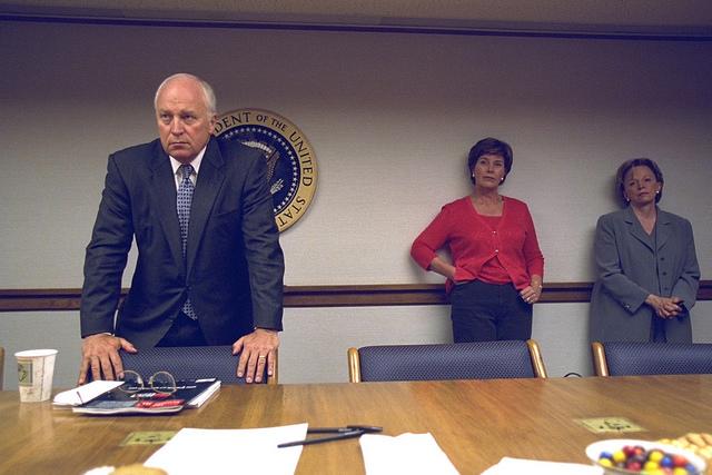 Dick Cheney alenök, a first lady, Laura Bush és Cheney neje, Lynne