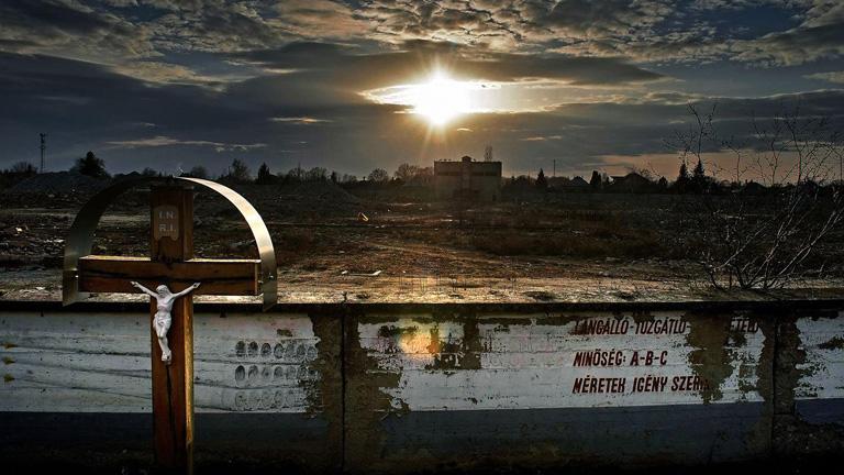 A lebontott cementgyár maradványai (Fotó: Komka Péter/MTI)
