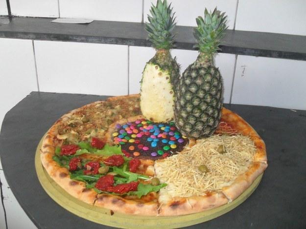 Ananászos pizzának indult...