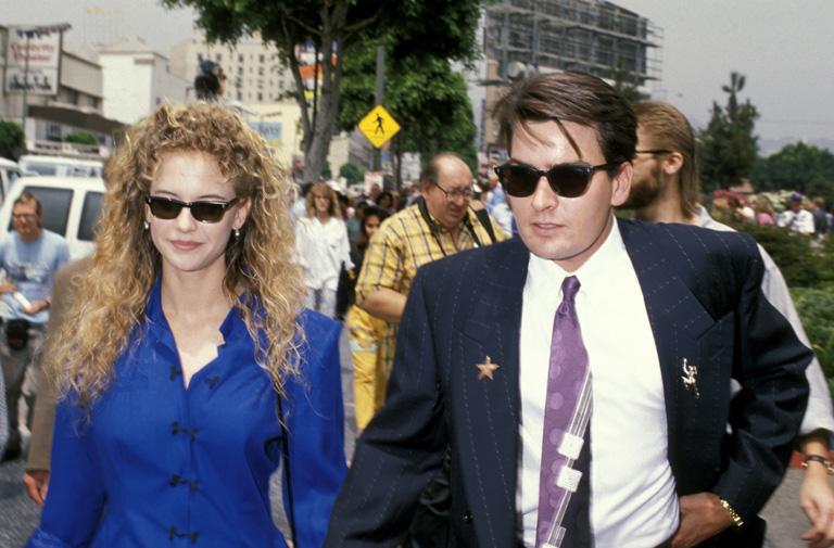 Kelly Preston és Charlie Sheen (Fotó: Jim Smeal/Getty Images)