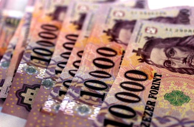 Családi csődvédelem: szeptember 1-jén elindul