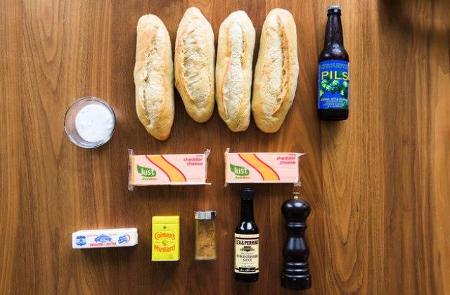 Így készül a sajtos melegszendvics sörrel töltve