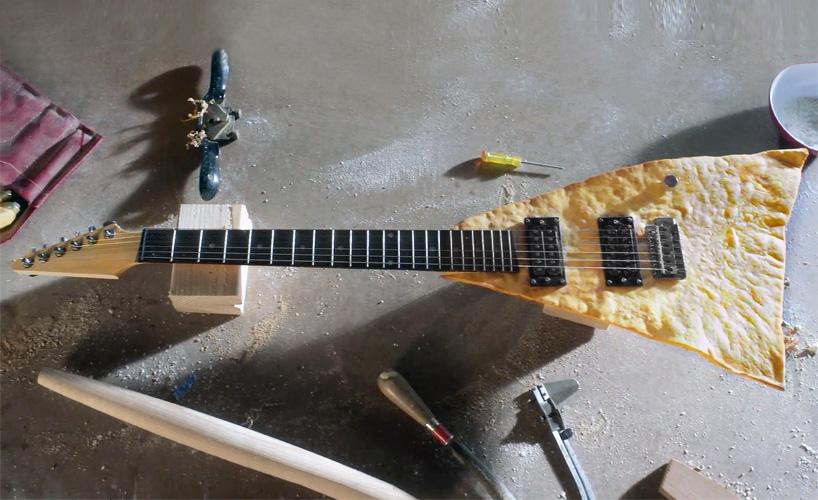 Elektromos tortilla gitár - Mexikói kaját kedvelő rokzenészeknek