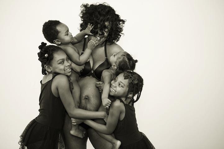 Az anyaság gyönyörű testei - lenyűgöző fotósorozat