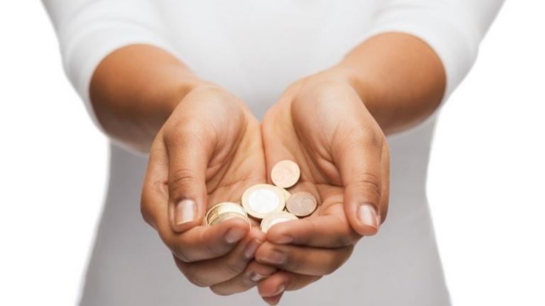 Csökkenteni kell a nyugdíjakat