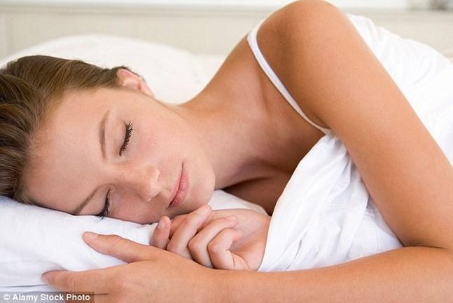 A nyugodt alvás titka- Mit együnk lefekvés előtt?