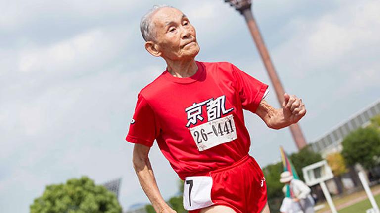A 100 évesek világrekordját is ő tartja