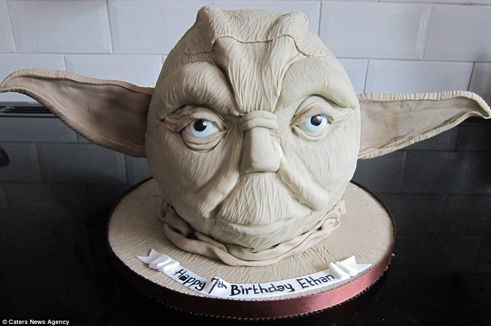 Szupernagyi visszatért! Star Wars, Harry Potter, Jégvarázs tortákat süt