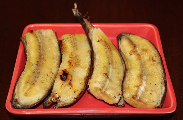 A banánhéj értékes összetevőket tartalmaz, a világon sok helyütt ezért megeszik az emberek