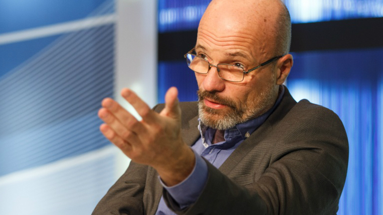 Dr. Zacher Gábor szerint a mai generáció már olyan világban nő fel, ahol a drogok jelenléte a hétköznapok része