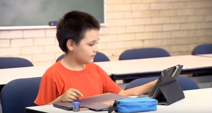Carlos kilenc évesen Mexikó legfiatalabb egyetemistája