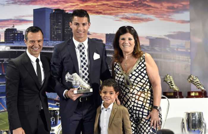 Christiano Ronaldo kisfiával ünnepelte rekordját - fotó