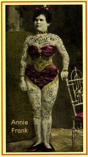 Retró: így néztek ki a tetovált nők a 80-as évekből