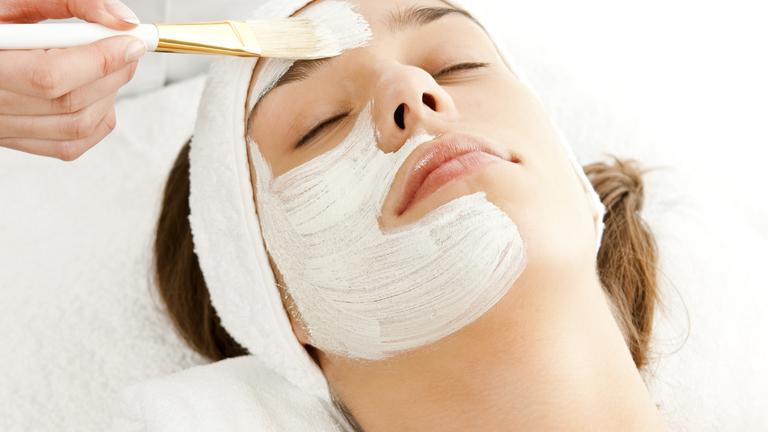 4 trükk, amivel hatékonyabbá teheted az arckrémedet!