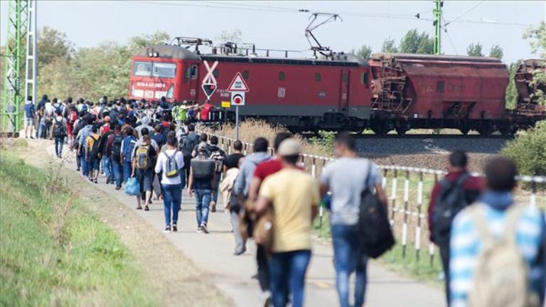 Menekültügy: összeomolhat a szociális ellátórendszer Németországban