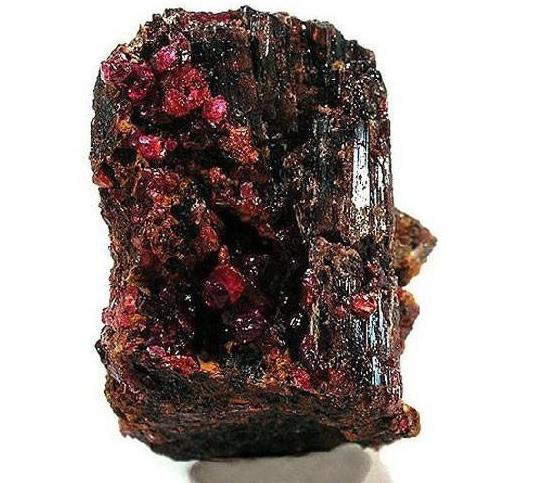 6. Painite - 2,5 millió/gramm vagy 500 000/karát