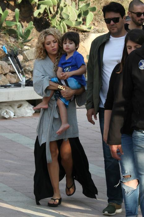 Shakira szexin vonaglik a fia előtt